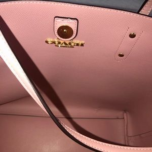 Coach Bags - Authentic Coach Town Tote In Signature Canvas Larg